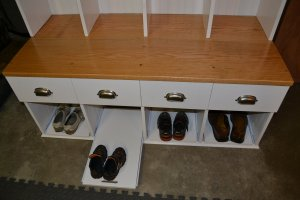 Locker bench with pullouts